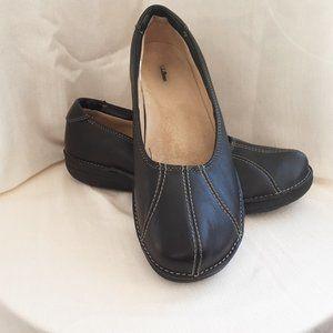 LL Bean Black Leather Slip-on Flat / Loafer | 11
